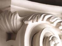 Colonne en staff plâtre et stuc